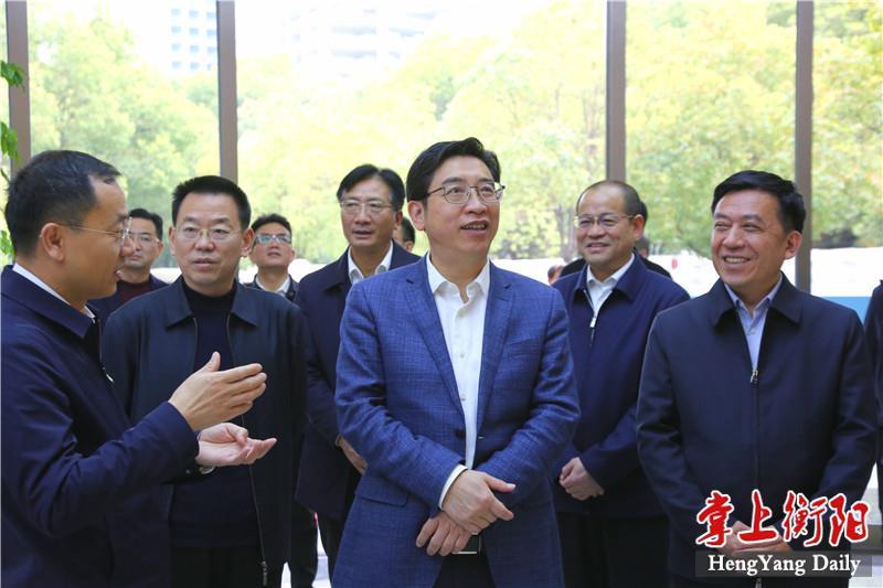 邓群策赴武汉岳阳考察长江生态环保集团及建设项目